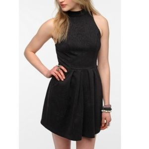 UO Silence + Noise S Black Embossed Halter Dress